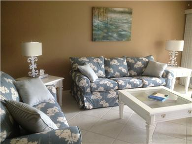 Fantastic 2/BR, 2 BA Pool VIew Condo Near Everything Vacation Rental NEWLY FURNISHED LIVING ROOM