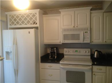Fantastic 2/BR, 2 BA Pool VIew Condo Near Everything Vacation Rental CUSTOM KITCHEN