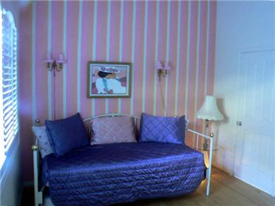 Huntington Seaside Villa - Surf City USA Vacation Rental Third Bedroom with Twin Beds
