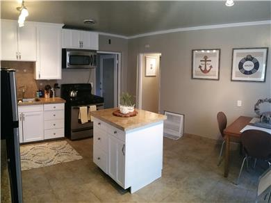 Santa Cruz Beach House Vacation Rental Kitchen