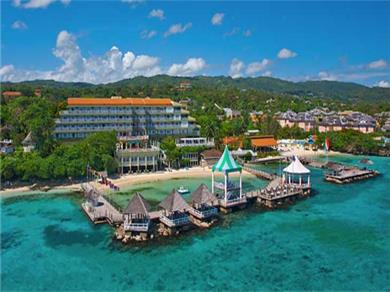 A Luxury 1 Bed / 2 Bath Condo in  Ocho Rios, Jamaica Vacation Rental