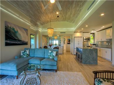 Wailea Elua Village Condo Vacation Rental Spacious open vaulted ceilings & perimeter lights