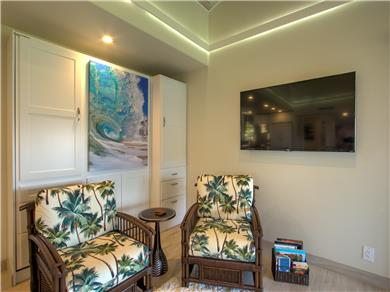 Wailea Elua Village Condo Vacation Rental Designer furnishings, 4K smart Roku UDTV
