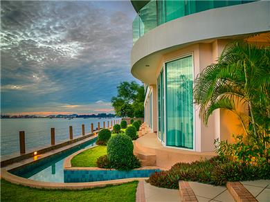 Paradise Ocean View Studio in Central Pattaya Vacation Rental