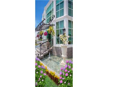 OLYMPUS CITY GARDEN CONDOMINIUM Family Suite Vacation Rental