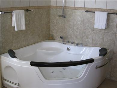 Villa Bella Mare for vacation rental Vacation Rental Jacuzzi tubs in both Master Suites