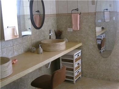 Villa Bella Mare for vacation rental Vacation Rental Downstairs oversized bath