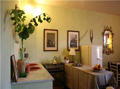 Le Scalette Vacation Rental kitchen area