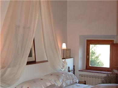 "Le Scalette Vacation Rental ""lavanda"" bedroom"