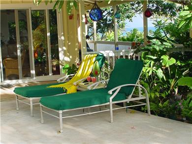 Romantic, Secluded, Private Lagoon Pool, Walk to beach Vacation Rental