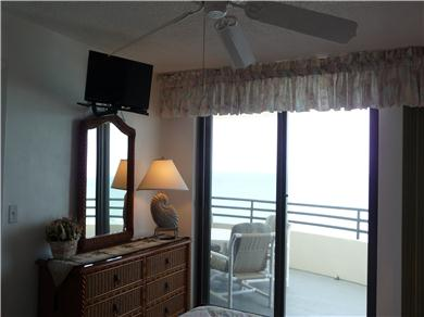 OCEANFRONT CONDO ON DAYTONA BEACH - NON-SMOKING FREE WI-FI Vacation Rental