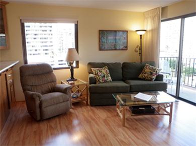 Four Paddle 709 Vacation Rental Living Room