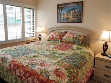Four Paddle 709 Vacation Rental King Bed