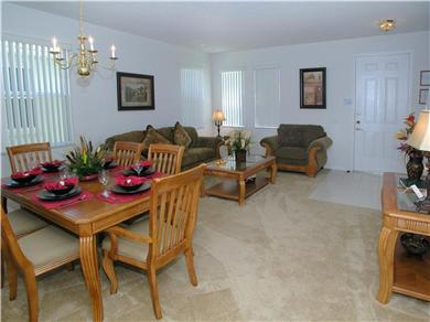 The Clubhouse at Somerset Vacation Rental Sitting/Dining Room