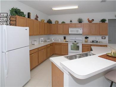 The Clubhouse at Somerset Vacation Rental Fully Fitted kitchen