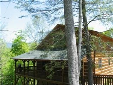 Boone vacation cabin rental amen corner log cabin for Cabin rentals in boone north carolina