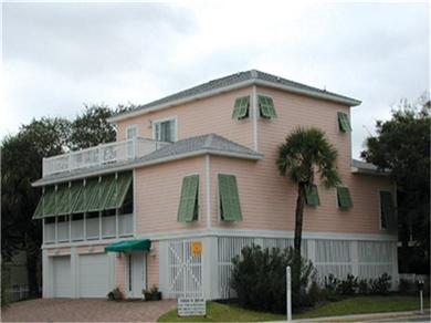 Pink House - Beautiful home w/ Hot Tub & 5BR - Sleeps 16 Vacation Rental