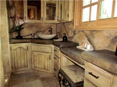 The Enchanted Manor Vacation Rental BATHROOM