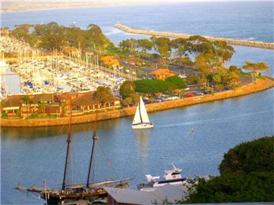 The Harbour House   .by the Sea Vacation Rental The Dana Point Harbour with 2500 Yachts