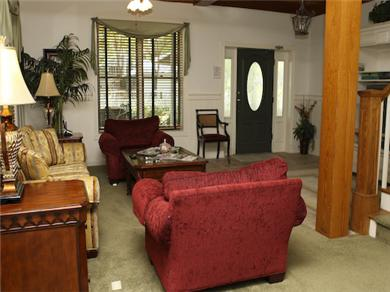 Twelve Oaks Plantation at Steinhatchee Landing Resort Vacation Rental First Floor Living Area