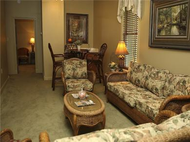 Twelve Oaks Plantation at Steinhatchee Landing Resort Vacation Rental Upstairs Living Area