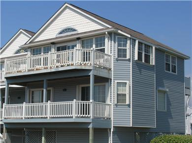 C-Shell Vacation Rental Townhome with Oceanviews