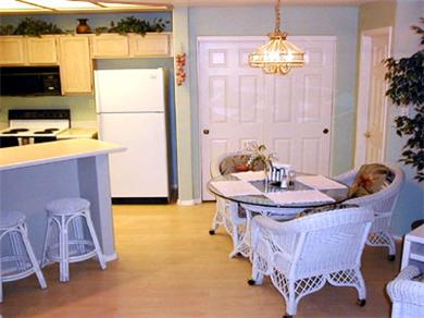 Pointe Tapatio Cliffs Resort Condominiums Vacation Rental Kitchen & Dining Area