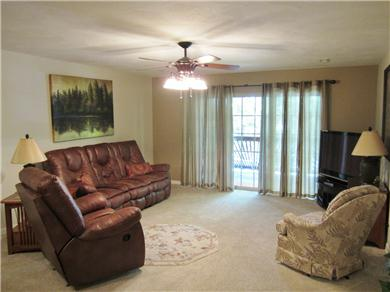Vickery Resort on Table Rock Lake Vacation Rental Spacious Living Area